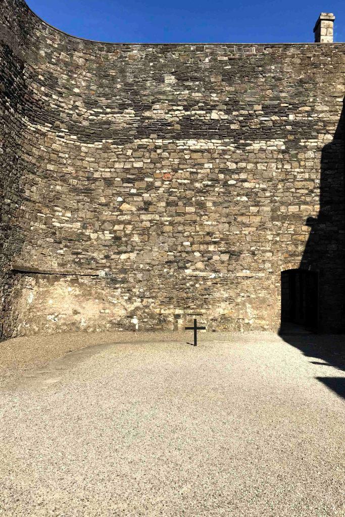 Pátio onde ocorreu a execução dos líderes nacionalistas